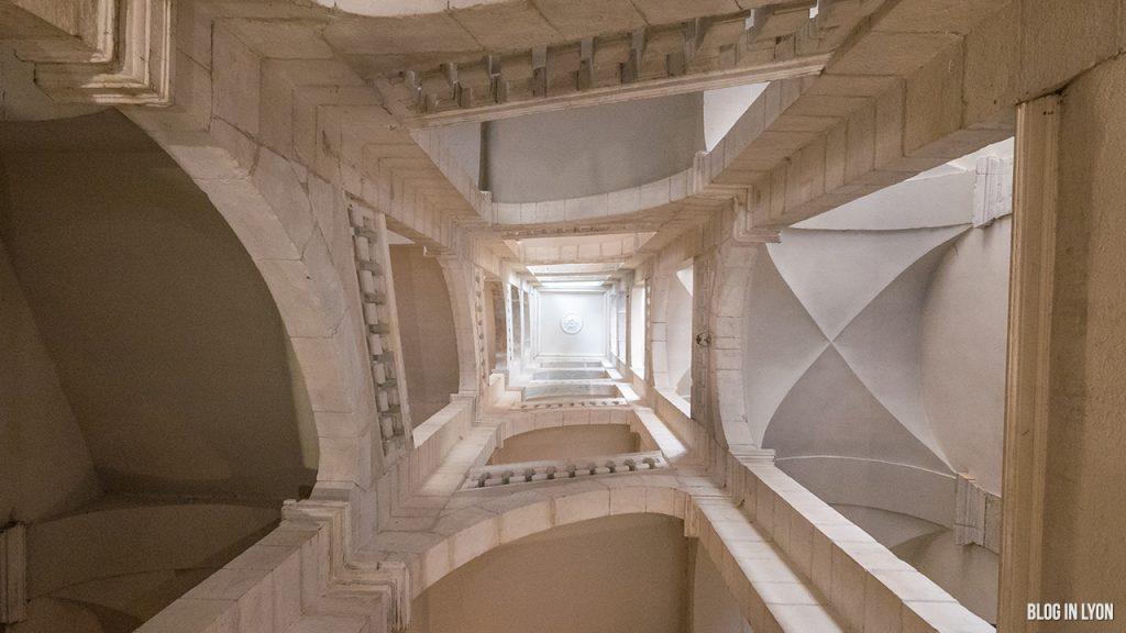 Visiter Lyon - Les traboules de la Croix-Rousse Est - Escaliers Petite rue des Feuillants| Blog In Lyon