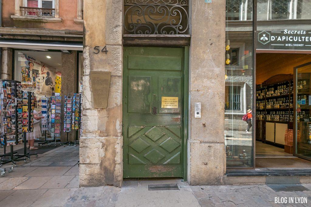 La Longue Traboule - Secrets de Lyon | Blog In Lyon