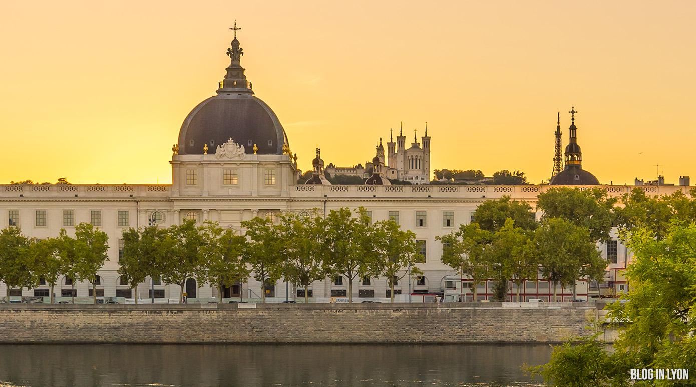 Coucher de soleil sur l'Hôtel Dieu - Lyon Photo | Blog In Lyon