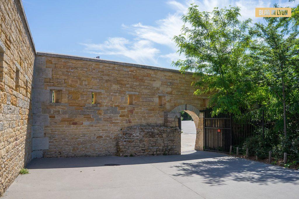 Visiter Lyon Fresques et murs peints - Parc Blandan | Blog In Lyon