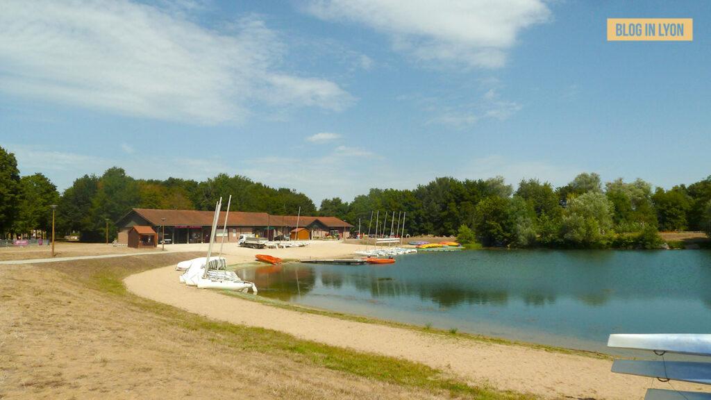 Où se baigner près de Lyon - Parc de loisirs de Bouvent | Blog In Lyon